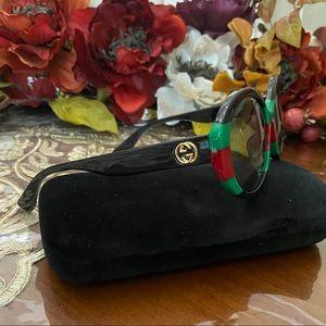 Gucci 57MM oversized sunglasses